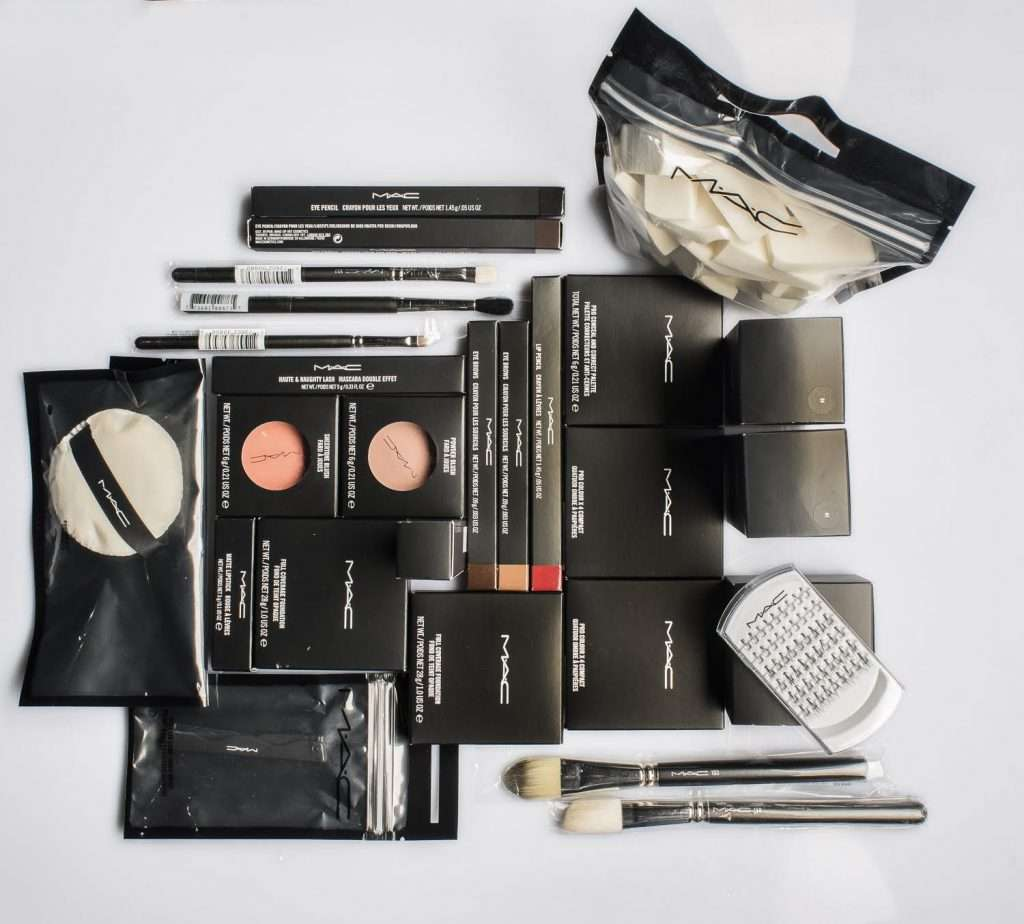 mac-kit-make-up-area-domani