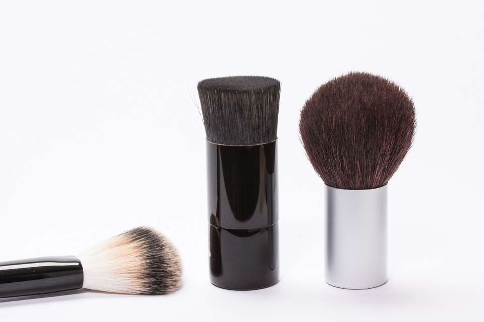 brush-259183_960_720