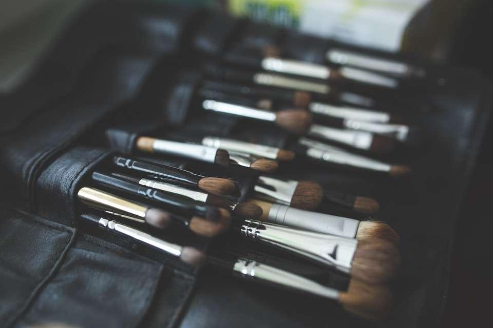 brush-791305_960_720