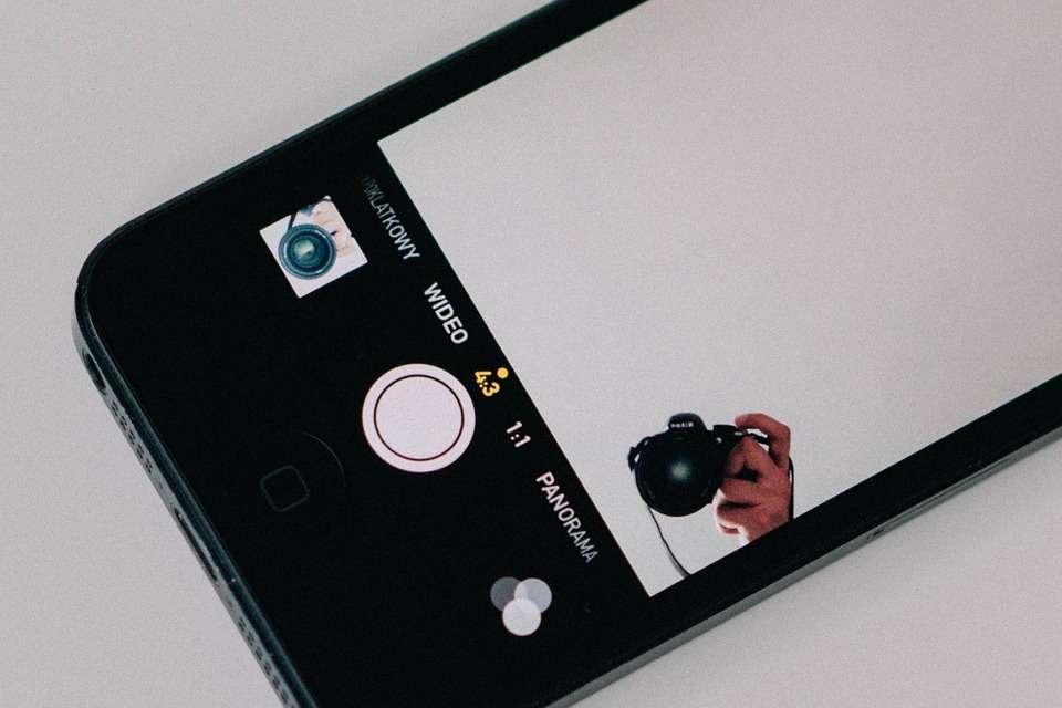 iphone-925280_960_720