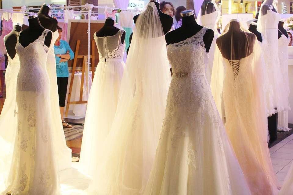 come diventare stilista di abiti da sposa