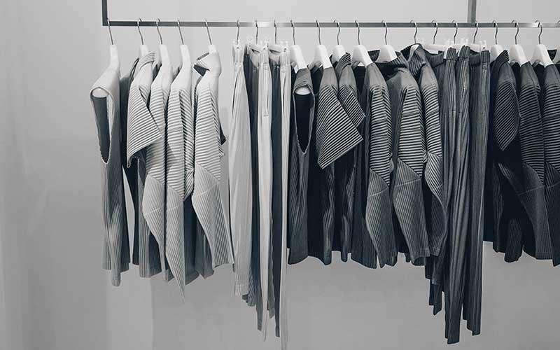 Vestiti scala di grigi