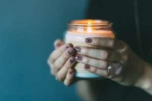 Gel o acrilico per la ricostruzione delle unghie