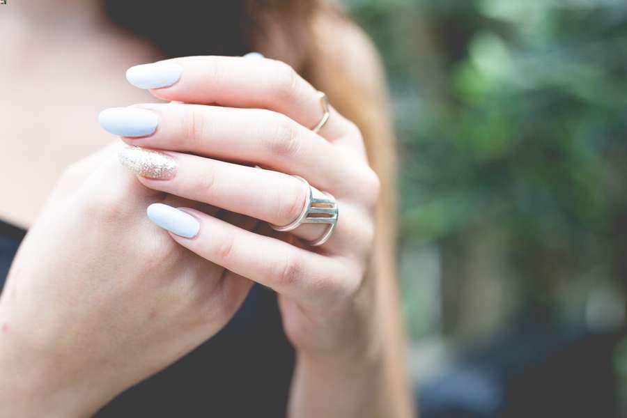 Rimuovere il gel dalle unghie