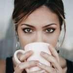 Come truccare gli occhi marroni e color nocciola