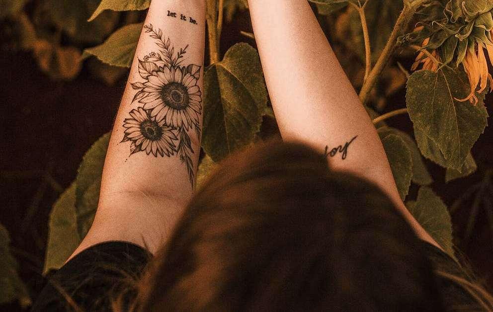 Esempi di tatuaggi con il girasole su avanbraccio