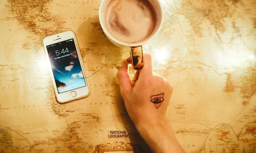 tatuaggio con triangolo